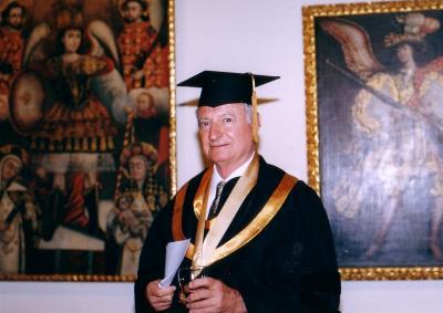 20081204112436-dr-honoris-causa-uni-a-peruanas-2008.jpg